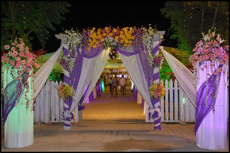 Wedding Flower Decorating by Wedding Flower Gate Decoration Http Whatstrendingonline