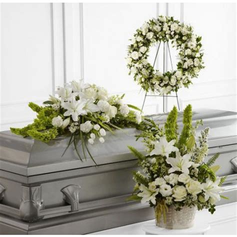 Best Flowers For Funeral by The Best Casket Flowers For How To Choose