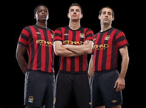 Manchester City 1617 Camisa Reserva Do Manchester City Ser 225 Listrada Em 2016