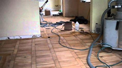 levigare pavimento levigatura pavimenti in legno confortevole soggiorno