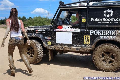 mudding cars http www carstuckgirls com 2 defender girls stuck in mud