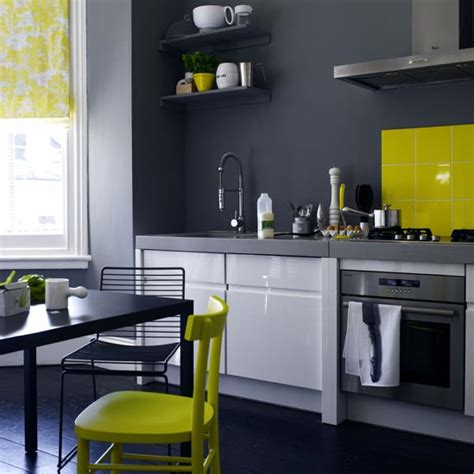 grey walls kitchen with colors combination