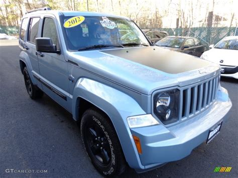 jeep liberty arctic interior 2012 winter chill pearl jeep liberty arctic edition 4x4