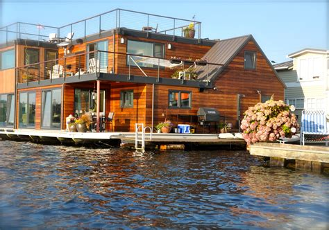 floating houses patina moon floating homes of seattle