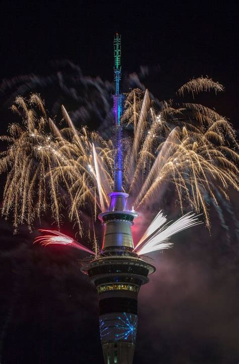 new year 2017 nz new zealand celebrates 2017 with spectacular new year s