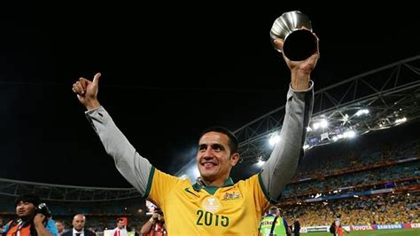epl qatar table tim cahill has offers from everton in premier league
