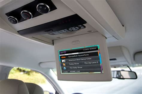 Fernseher Auto by Chrysler Gets In Car Tv Going With Flo Tv Autoblog