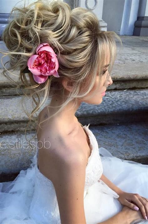 Hairstyles With Flowers For Wedding by Best 10 Wedding Hairstyles Ideas On