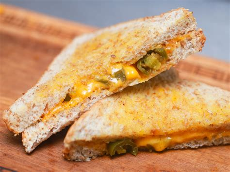 Grilled Cheese 3 ways to make a grilled cheese sandwich using a microwave