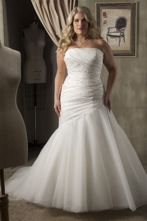 15 plus size wedding dresses make you look like