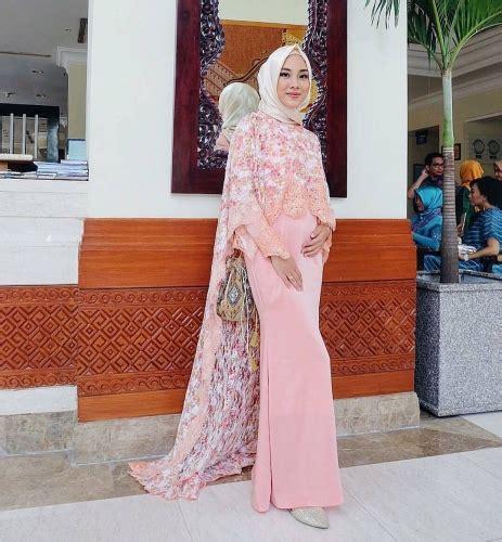 23 Model Kebaya Brokat Muslim Modern Terbaru Elegantria