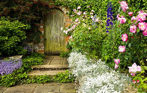 country garden gates  demonstrate  perfect