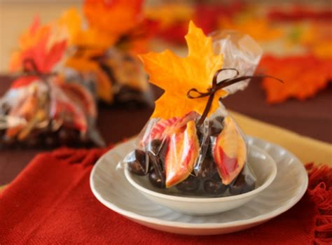 do it yourself fall wedding favor ideas diy how to make fall wedding favors oh nuts