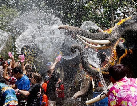 festival pictures the songkran water festival in thailand pictures pics