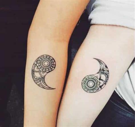 imagenes de tatuajes de union de parejas 50 tatuajes para parejas de novios o enamorados dise 241 os