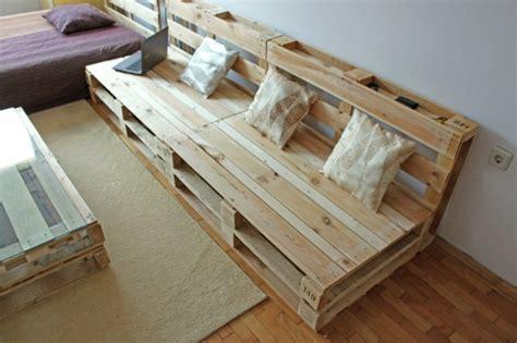 Canapé Avec Des Palettes En Bois que faire avec des palettes plus de 38 cr 233 ations originales