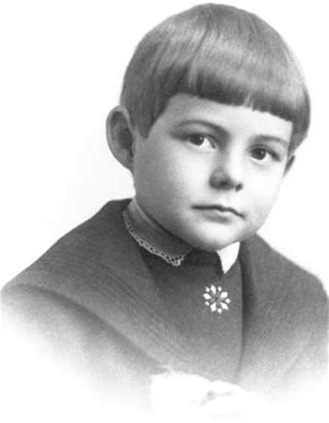 ernest hemingway biography the childhood years 50 best images about everyone was young once on pinterest