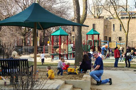 playgrounds in chicago for to slide and swing