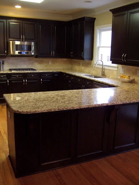 kitchen countertops and cabinet combinations dark and light kitchen love the color combo of cabinet