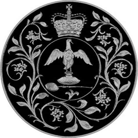 Koin Elizabeth Ll Dg Reg Fd 1977 2002 s jubilee crown two coin set