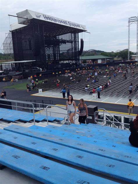 section f hershey park stadium section 7 row f seat 25 fall out