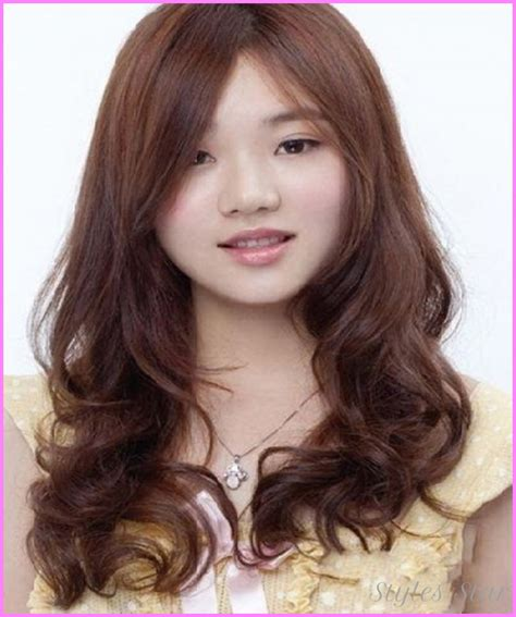 layered hair around face long hair layered haircuts for round faces stylesstar com