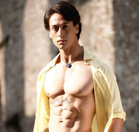 biography of tiger shroff tiger shroff family photo father mother age real name