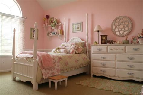pretty in pink this is my 5 year olds twist on a shabby chic bedroom done a budget all the
