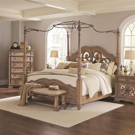 Furniture Canopy Bed by Coaster Ilana Canopy Bed With Mirror Back Headboard