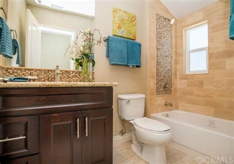 bathroom images from flip or flop hgtv google search bathroom love this bathroom with bedrosians tile from hgtv s