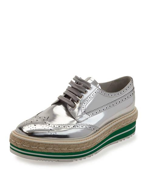 prada platform loafers lyst prada metallic wing tip platform loafer in metallic