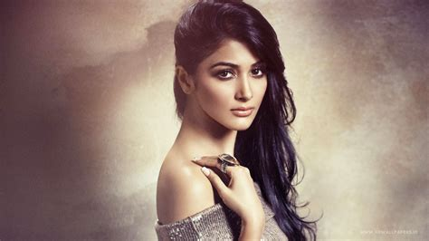 bollywood heroine hot news pooja hegde bollywood actress wallpapers hd wallpapers