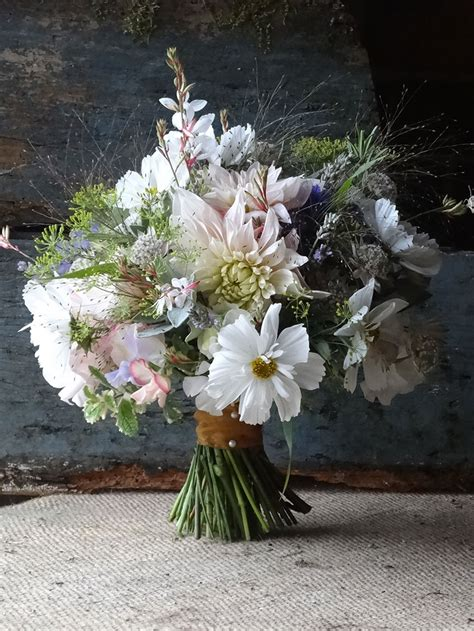 September Wedding Flowers by Flowers Why You Should Choose Seasonal And