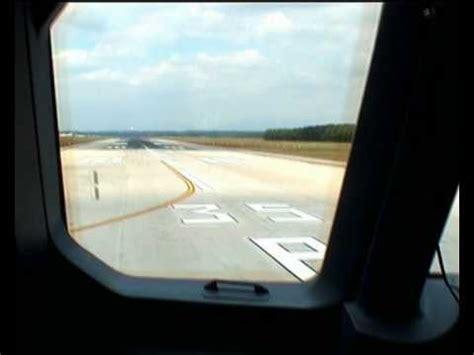 atterraggio aereo dalla cabina atterraggio a el hierro isole canarie dalla cabina di