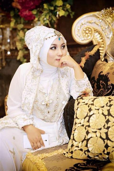 desain baju anniesa hasibuan anniesa hasibuan satu lagi desainer muslimah indonesia