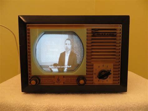 vintage 1940s emerson gold facade miniature television