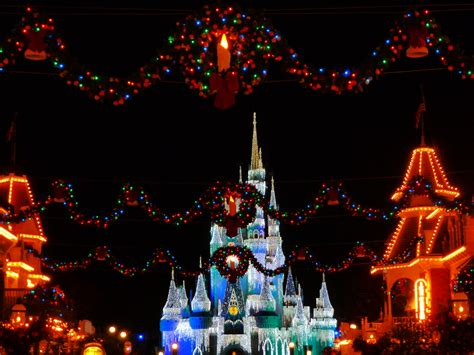 best 28 when does disney world decorate for christmas