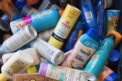 banana boat sunscreen coral reef your reef safe sunscreen guide 15 sunscreens that are