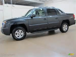 gray metallic 2003 chevrolet avalanche 1500 z71 4x4