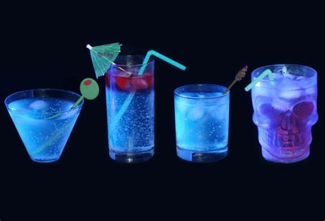 vodka tonic blacklight how to make glow in the dark cocktails