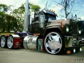 Custom Wheels For Semi Truck Mack With Custom Wheels Rigs Wheels