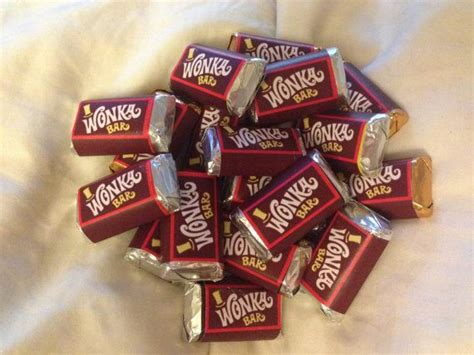 Chocolate Wonka M willy wonka miniature and bar on