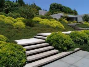 comment un joli jardin en pente jolies id 233 es en