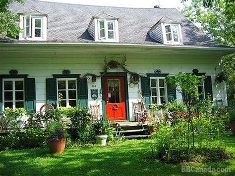 maison de jardin maison et jardin monarde st augustin de desmaures bed and breakfast accommodation