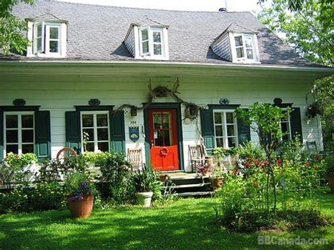 maison jardin maison et jardin monarde st augustin de desmaures bed and breakfast accommodation