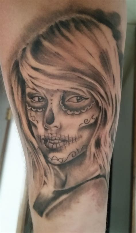 does taylor swift have a tattoo sugar skull taylorswift