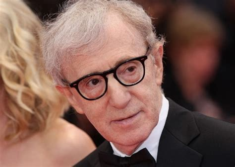 Woody Allen Essays by Woody Allen Reacts To Cannes Joke Likens Ronan Farrow S Abuse Essay To A Bad Review