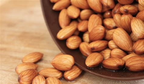 almonds before bed top 10 superfoods for sleep deficiency