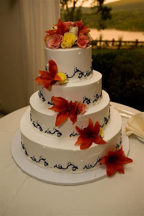 Wedding Cake Hawaii by Hawaiian Wedding Cake Wedding Centerpieces Cakes More
