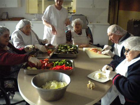 cuisine th駻apeutique ehpad atelier cuisine ehpad l 233 on dub 233 dat de biscarrosse